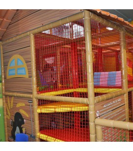 Playground house con tetto dim. 2,4x4,8x3,3mt